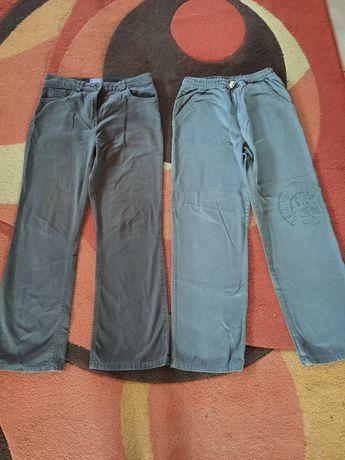 Vând 2 pantaloni de blugi pt.băieți