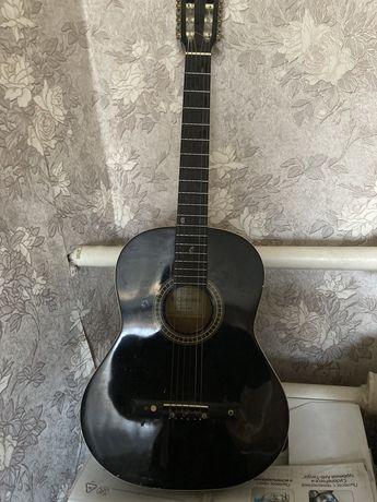 Гитара продаю срочно деньги нужны