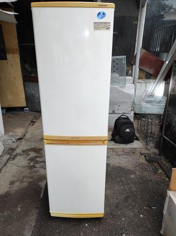 Холодильник двухкамерный Самсунг