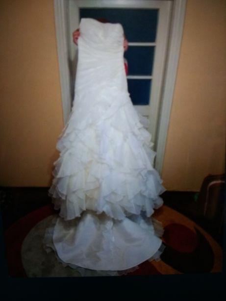 Vind rochie de mireasa superbă mărimea S