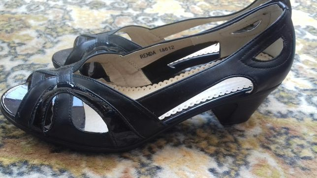 Sandale de dama pantofi