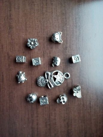 figurine, litere, lant, snur, bratara