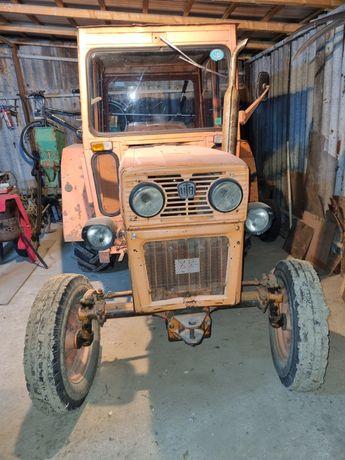 Vând tractor UTB45