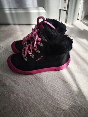 Зимние ботинки сапожки  geox на девочку 26