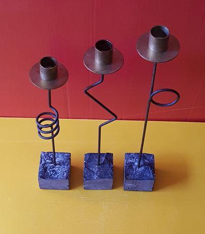 Set trei sfeșnice din bronz, fier și piatră