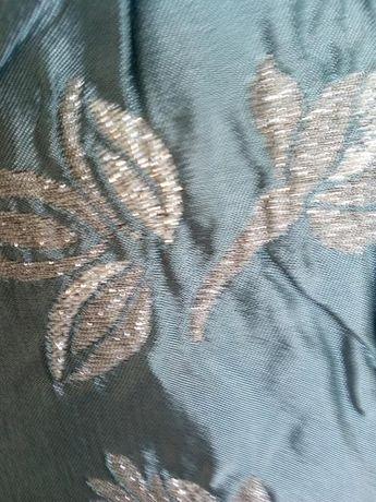 Продавам луксозен плат 25метра по 6,90 лв. за метър и хастар вискоза