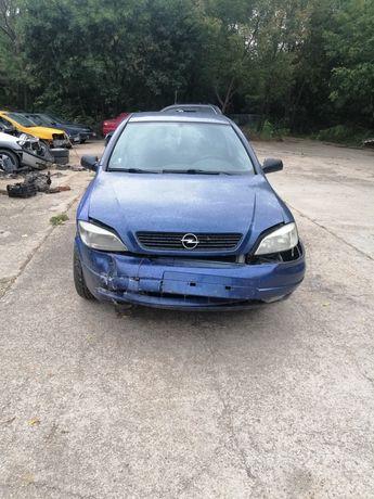 Dezmembrez Opel Astra G 1.8 16v 2001