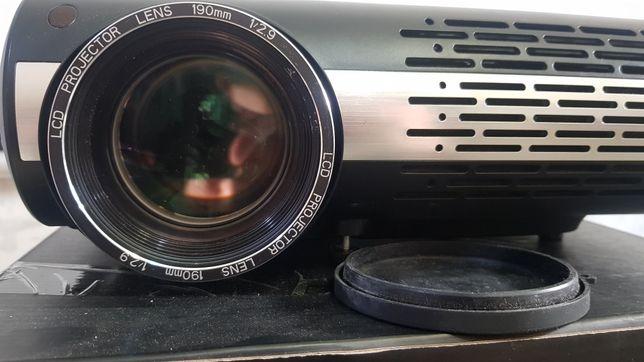 Продаю проектор , в хорошем состоянии пользовались редко