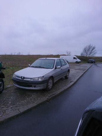 Продава се Peugeot /Пежо 306 1.9д . на части