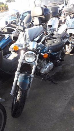 Мотоциклет Сузуки Марудер 125(SUZUKI MARAUDER 125)-На части