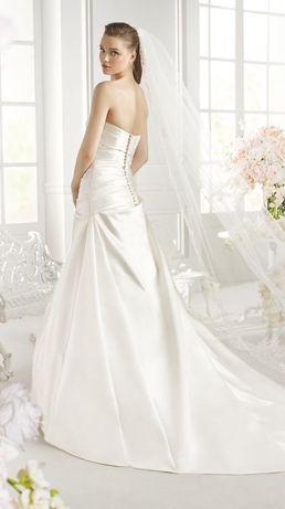 Испанское атласное свадебное платье