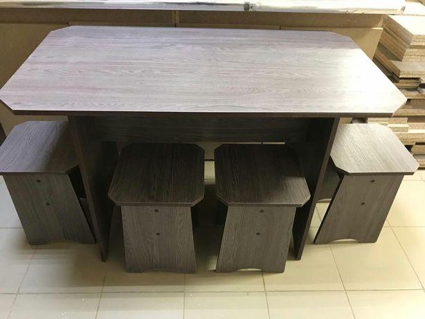 Новые,Кухонные столы с табуретками.