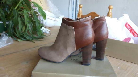 Обувки дамски-боти на ток, сиви и бежаво с кафяво
