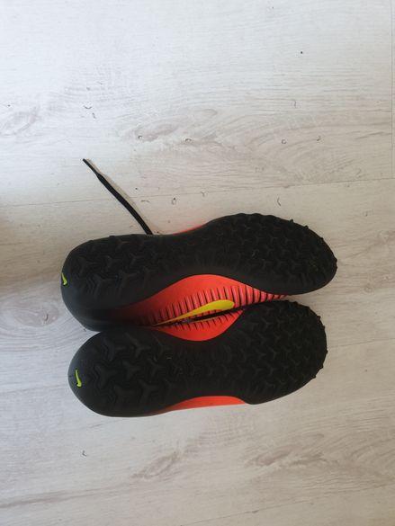 Футболни обувки Nike mercurial