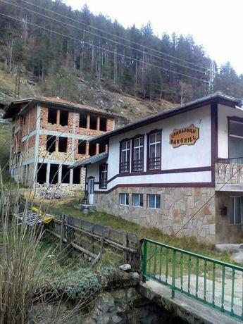 Фамилна къща или като хотел с. Соколовци на 10 км от Пампорово