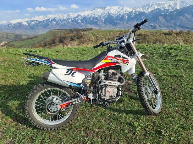 Мотоцыкл эндуро 06