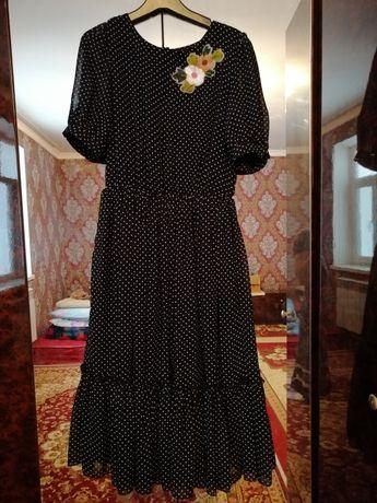 платья черная в белом горошком