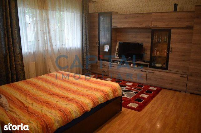 Inchiriere apartament 3 camere decomandat, zona Piata Marasti