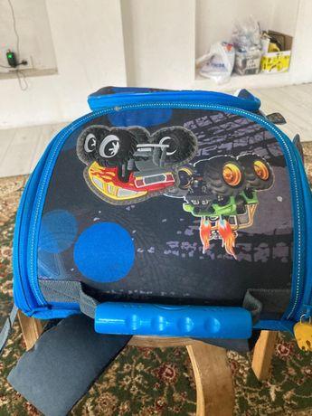 Ранец для школьника начальных классов