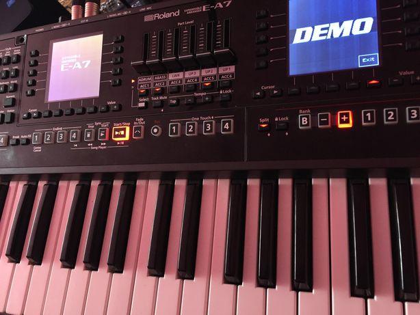 Roland E-A7 schimb cu Korg pa 600/700/2xpro!!