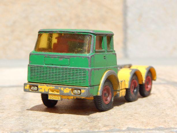 Macheta veche metalica cap tractor camion Henschel F201S-2A Siku 1:50