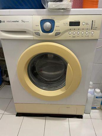 Продам б/у стиральную машинка. Не работает отжим.
