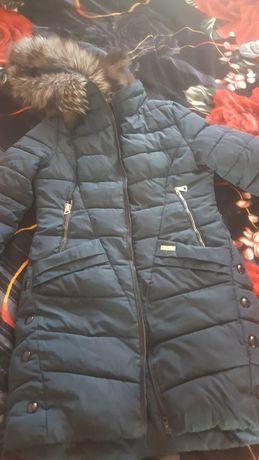 Отдам бесплатно куртку зимнию