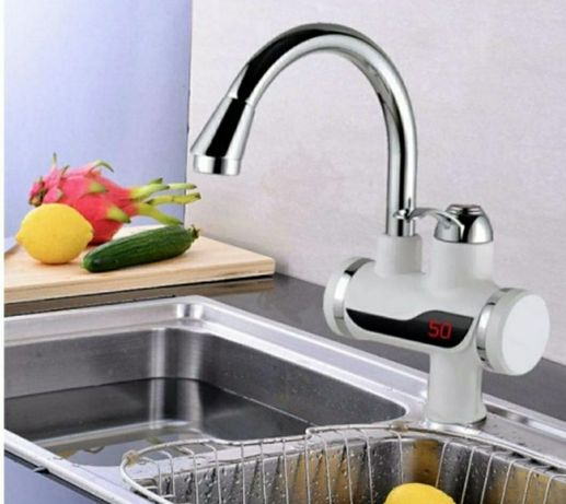 Baterie instant robinet electric pentru apa calda afisaj