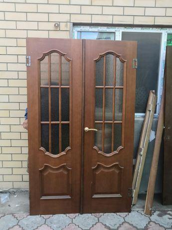 Двухстворчитая дверь