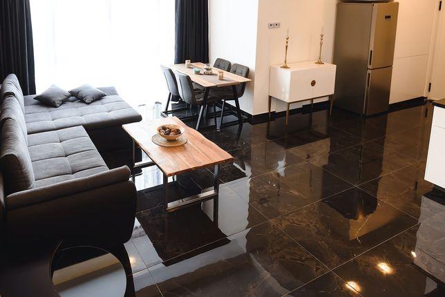 Apartament 6 Black Regim Hotelier 60 mp