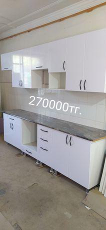 Новый кухонный гарнитур , белый глянец, длина 3.4м