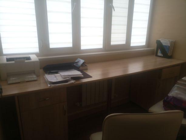 Продам стол письменный на два ученика. размер 2.40*60 см