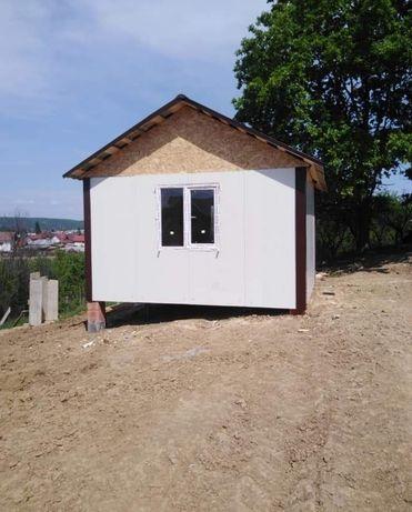 Case locuibile pe structura metalică și panou sandwich