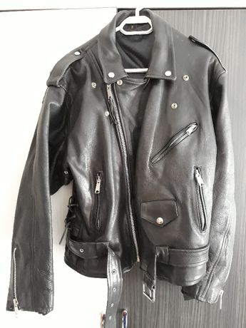 jacheta biker de piele neagra