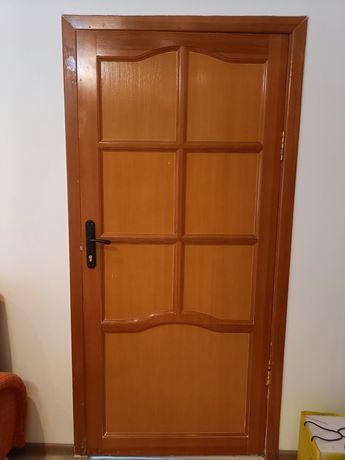 Продам двери! Деревянные.
