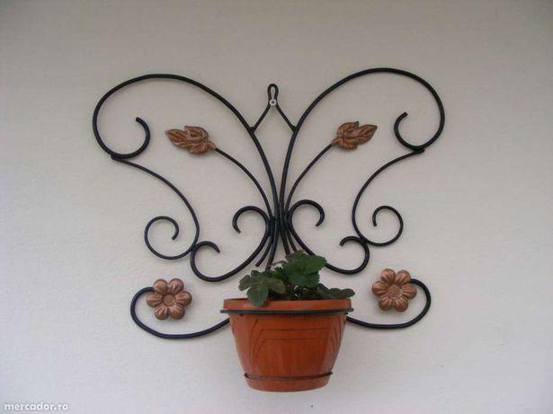 suport flori perete -fluture