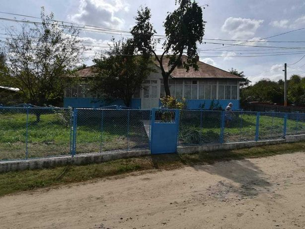 Casa in centru comunei Codaesti (jud. Vaslui)