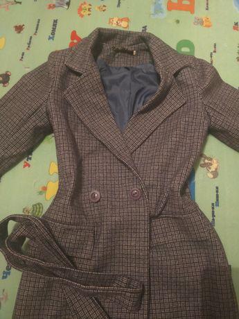 Продам пальто почти новый