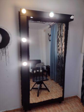 Oglinda/Post de lucru makeup/coafor