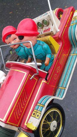 Ani 60 Vtg Masina jucarie de tabla China Fire Chief lipsa + patina