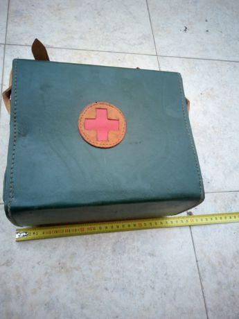 Стара кожена медицинска чанта
