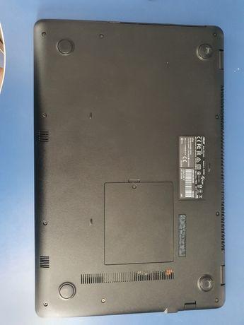 Vand laptop Asus A542U