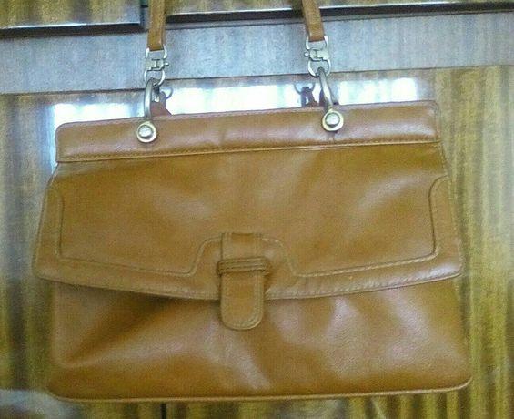 Продавам дамска чанта немска