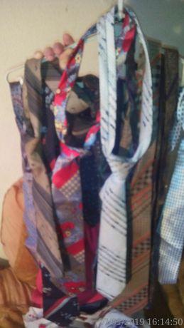 Lot cravate si 2 papioane