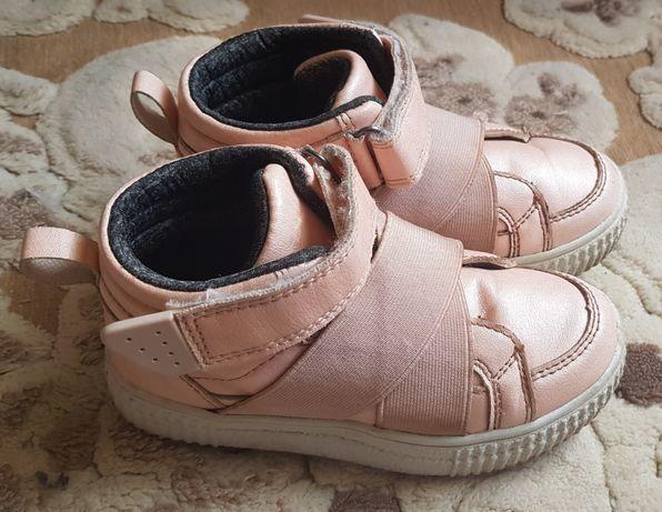Ботинки демисезоные 26 размер