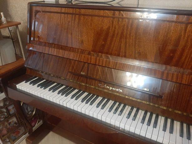 Продам фортепиано (пианино)