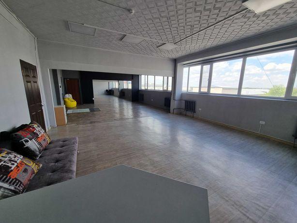 Сдам в аренду помещение 89 кв.м. в административном здании ТД Абсолют.