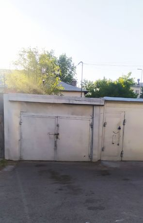 Продам хороший гараж район старого вокзала. Хозяин