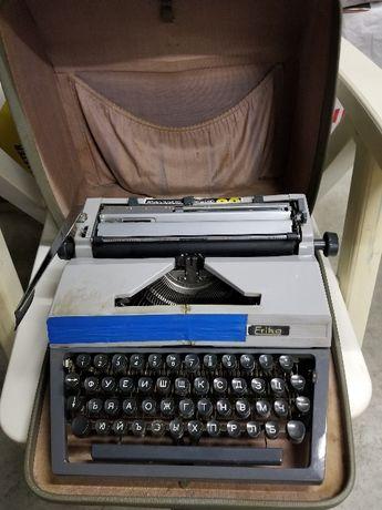 """Продавам немска пишеща машина """"Ерика"""""""