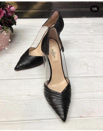 Шикарные туфли Valentino в идеальном состоянии!